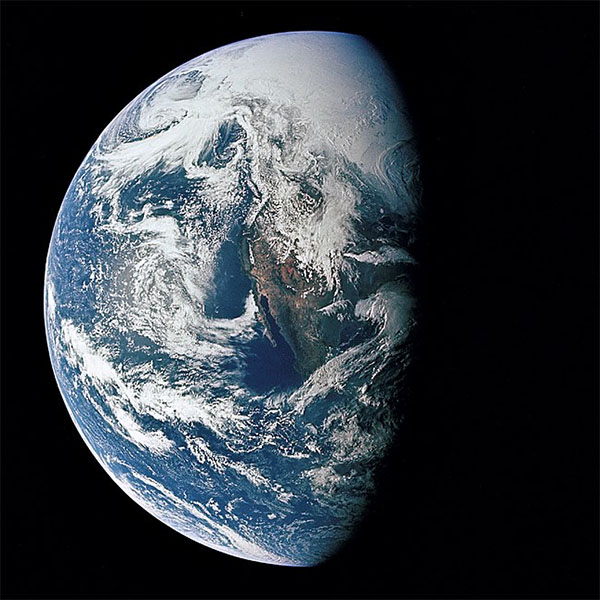 Apollo 13 image of Earth